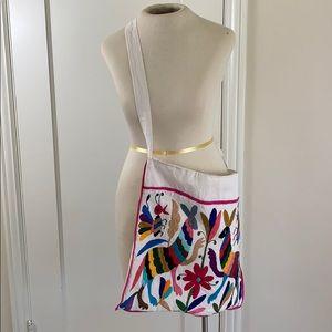 Embroidered animal ethnic messenger bag tote